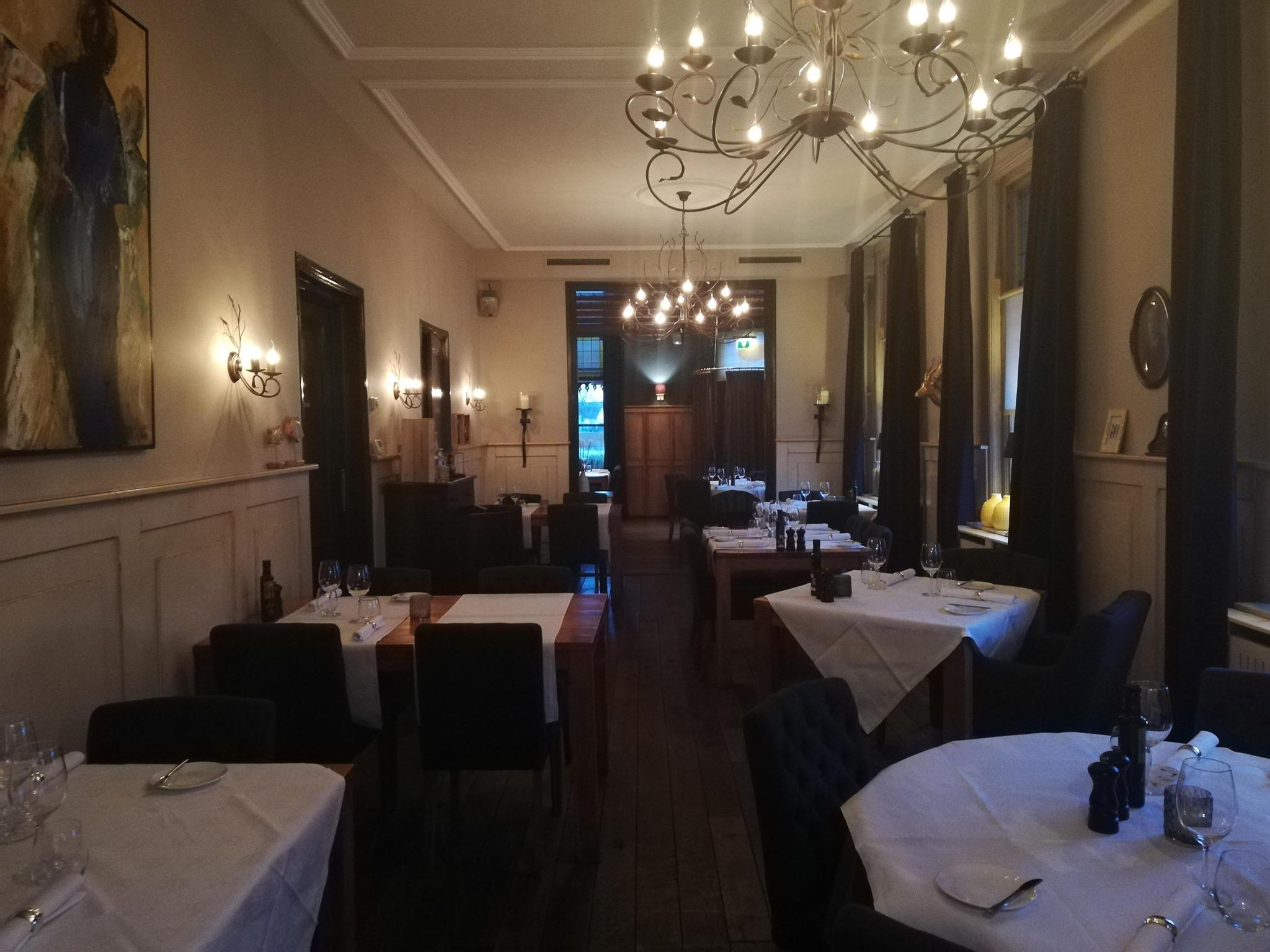 social wifi audio restaurant
